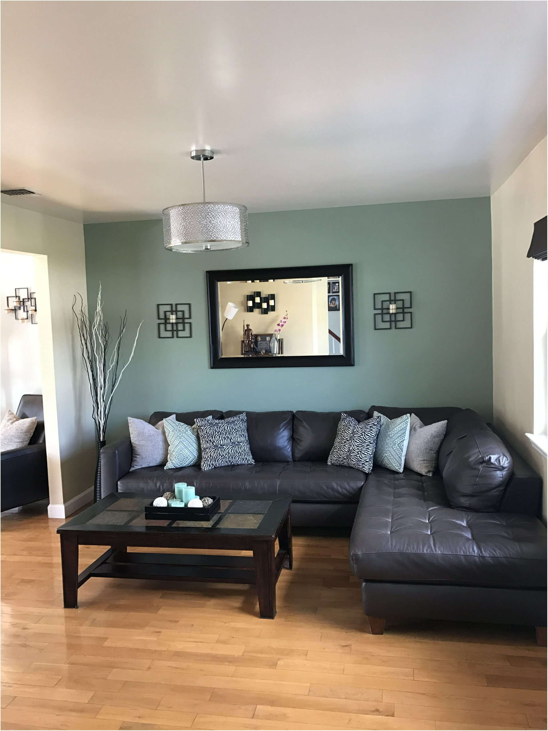 Accent Paint Colors For Living Room