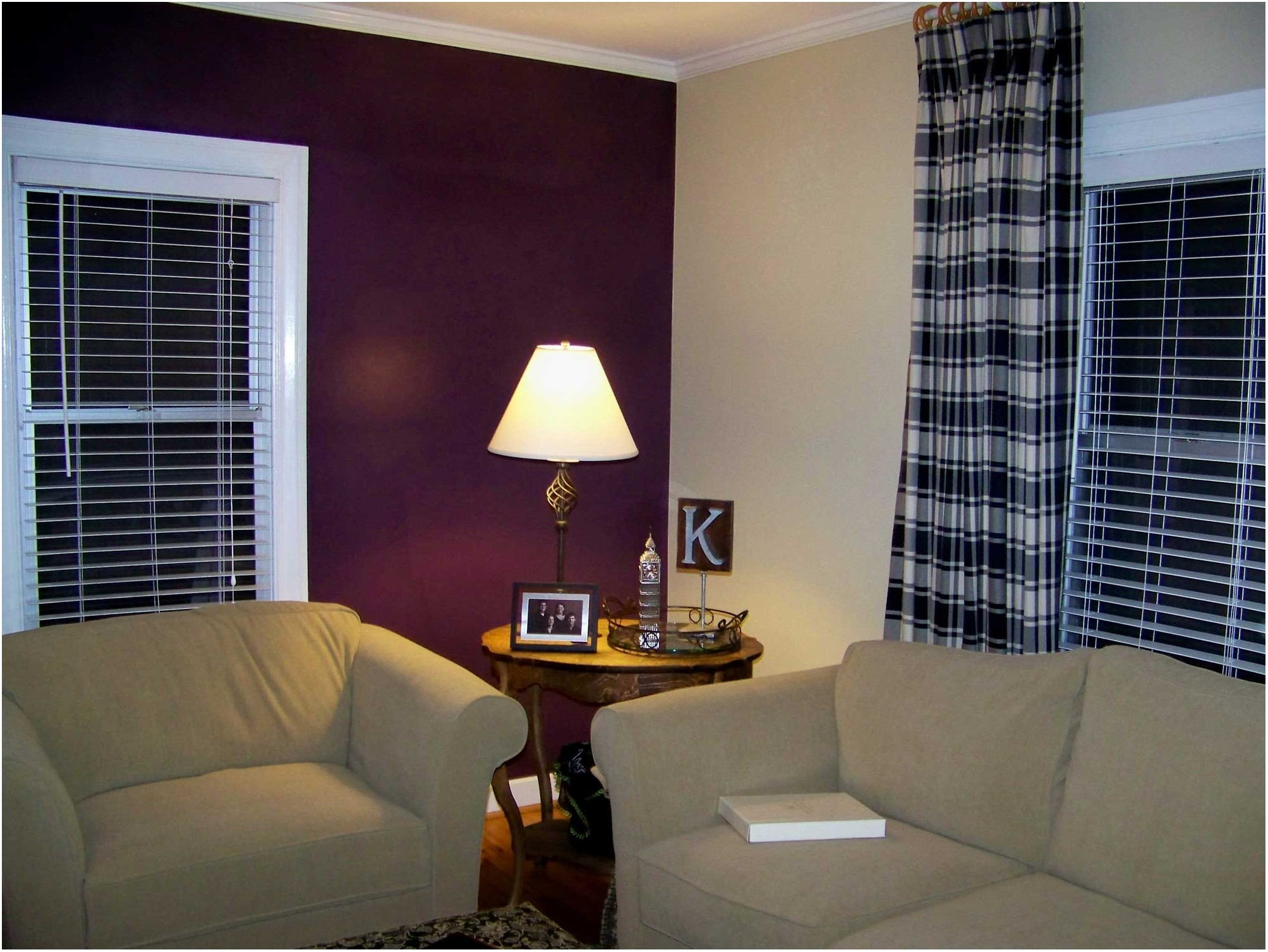 Strie Painting On Living Room Accent Wall