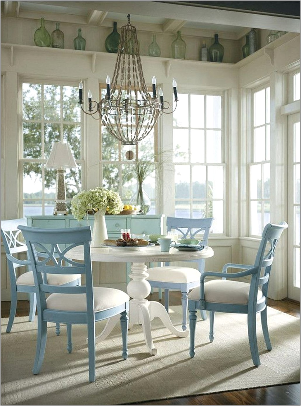 Cottage Style Dining Room Decor