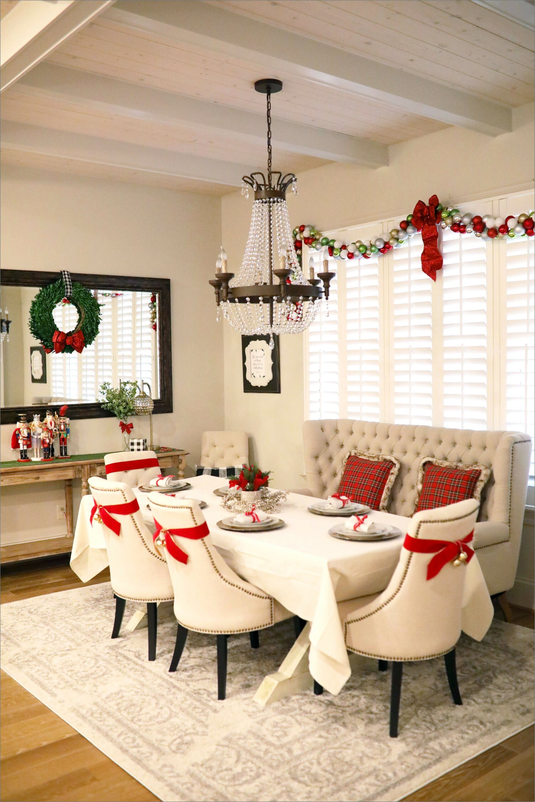 Decor For A Green Dining Room