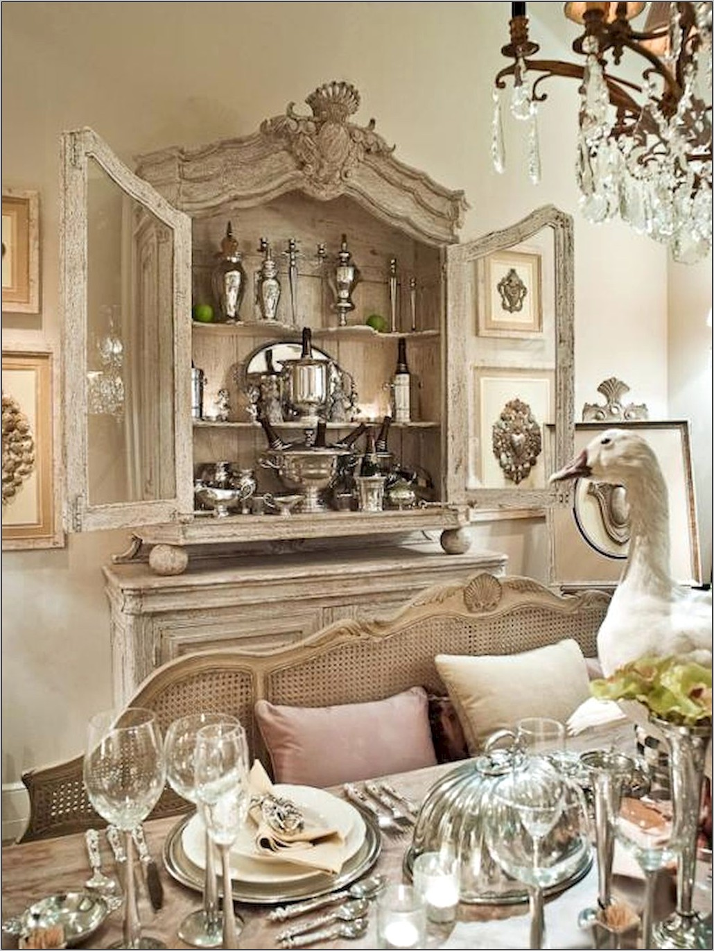 Formal Country Dining Room Decor