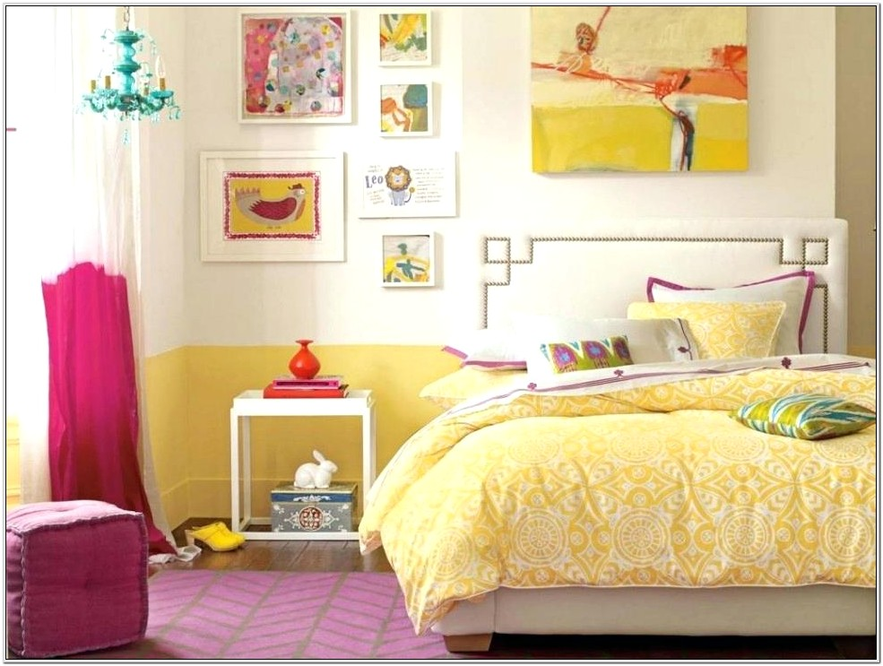 Cottage Bedroom Decor Yellow And Navy