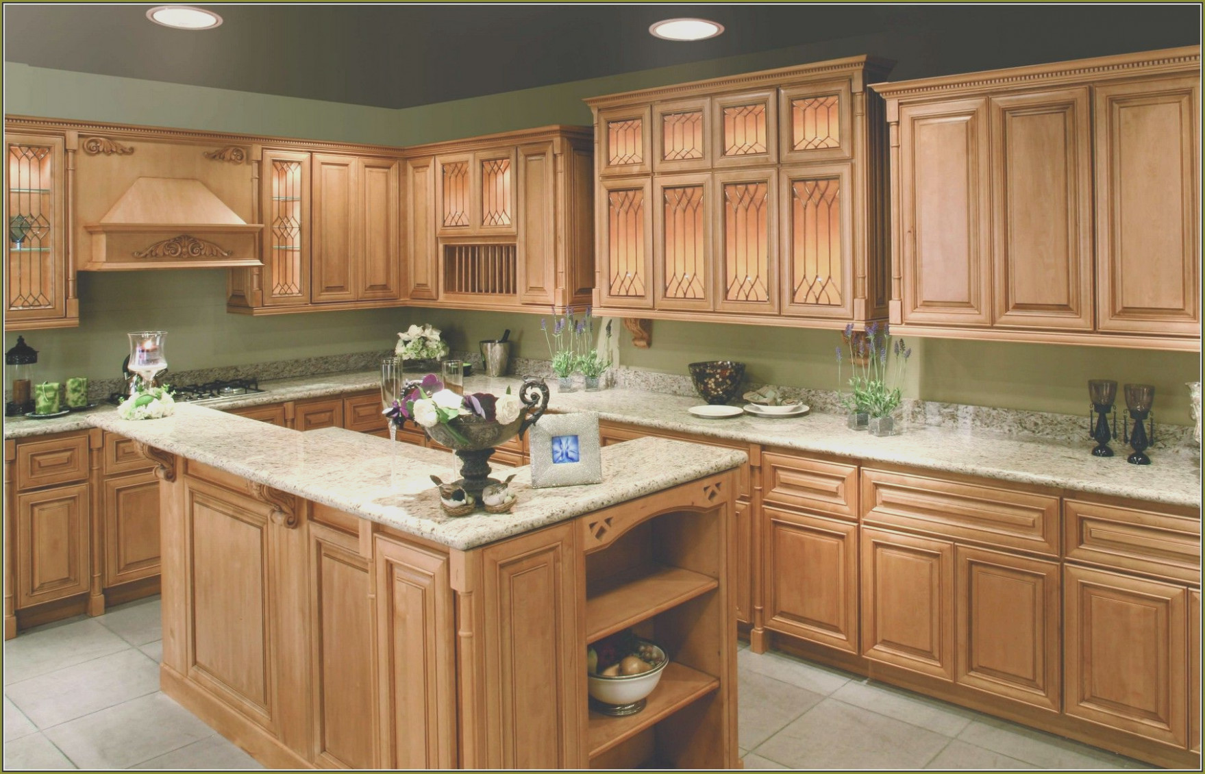 Maple Kitchen Cabinets and Wall Color